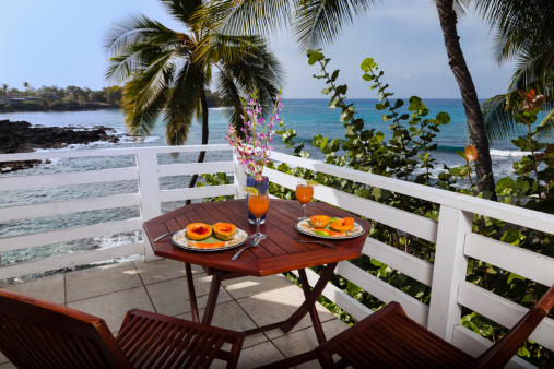 Picnic「Breakfast on the balcony of an ocean front home」:スマホ壁紙(5)