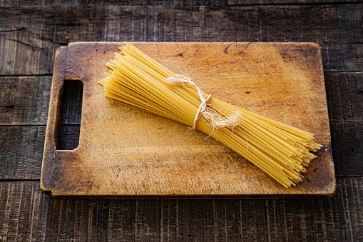 Italian Culture「Uncooked spaghetti」:スマホ壁紙(14)
