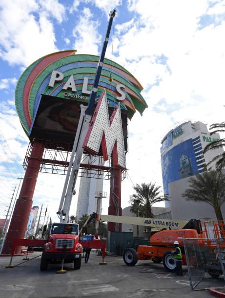 Palms Casino Resort「Palms Casino Resort Replaces Marquee As Part Of Property's Renovation」:写真・画像(6)[壁紙.com]