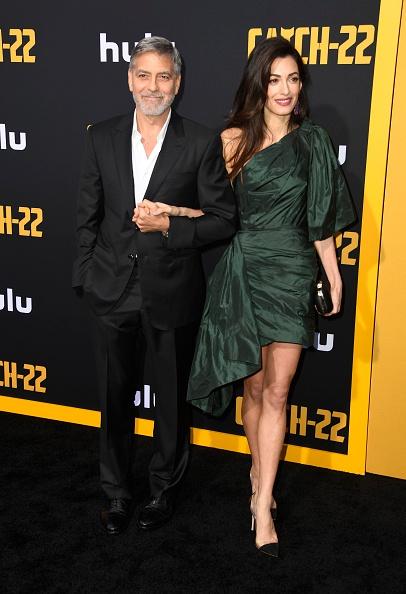 """Shoulder Detail「U.S. Premiere Of Hulu's """"Catch-22"""" - Arrivals」:写真・画像(11)[壁紙.com]"""