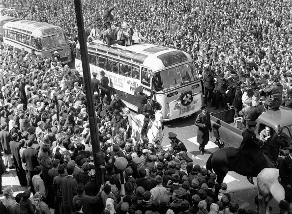 Double-Decker Bus「West Ham With Cup」:写真・画像(7)[壁紙.com]