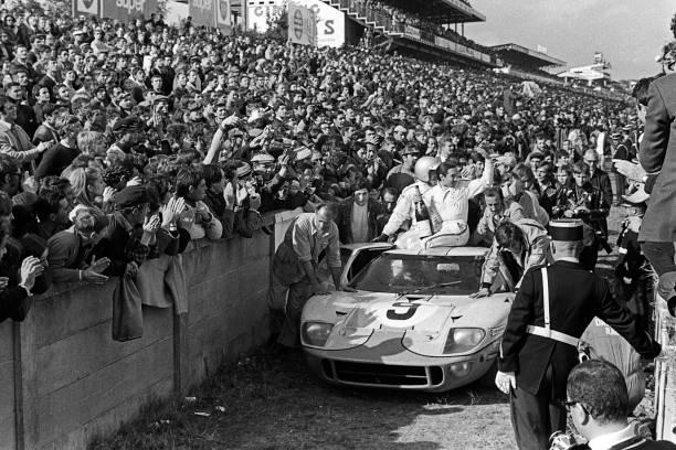 Auto Racing「Pedro Rodriguez, Lucien Bianchi, 24 Hours Of Le Mans」:写真・画像(19)[壁紙.com]
