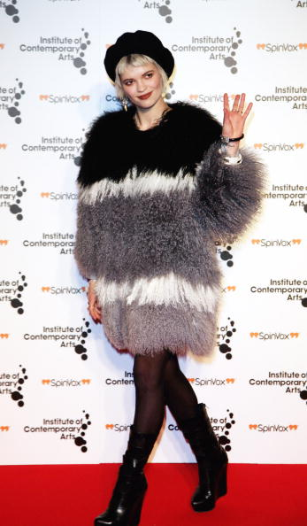 Beret「Figures Of Speech: Fundraising Gala - Outside Arrivals」:写真・画像(18)[壁紙.com]