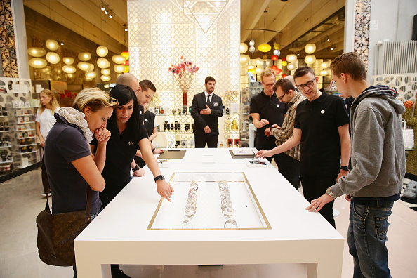 Apple Watch「Apple Watch Availability At Corso Como 10 Milan」:写真・画像(17)[壁紙.com]