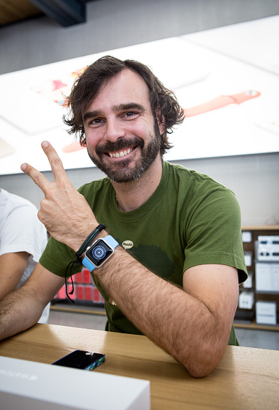 Apple Watch「Apple Watch Availability At Apple Store Puerta Del Sol Madrid」:写真・画像(0)[壁紙.com]