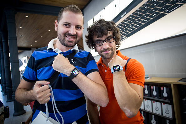Apple Watch「Apple Watch Availability At Apple Store Puerta Del Sol Madrid」:写真・画像(1)[壁紙.com]