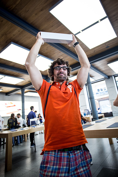 Apple Watch「Apple Watch Availability At Apple Store Puerta Del Sol Madrid」:写真・画像(12)[壁紙.com]