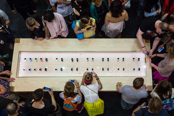 Apple Watch「Apple Shop Opens At TSUM, Moscow」:写真・画像(19)[壁紙.com]