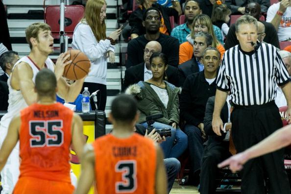 Oregon - US State「The Obama Family Watches U. Maryland v. Oregon State Basketball Game」:写真・画像(11)[壁紙.com]