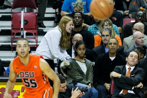 Oregon - US State「The Obama Family Watches U. Maryland v. Oregon State Basketball Game」:写真・画像(13)[壁紙.com]