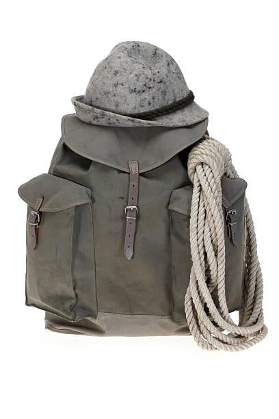 Vintage mountaineering backpack with hat:スマホ壁紙(壁紙.com)