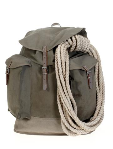 バックパック「ヴィンテージの登山バックパックにロープクライミング」:スマホ壁紙(19)