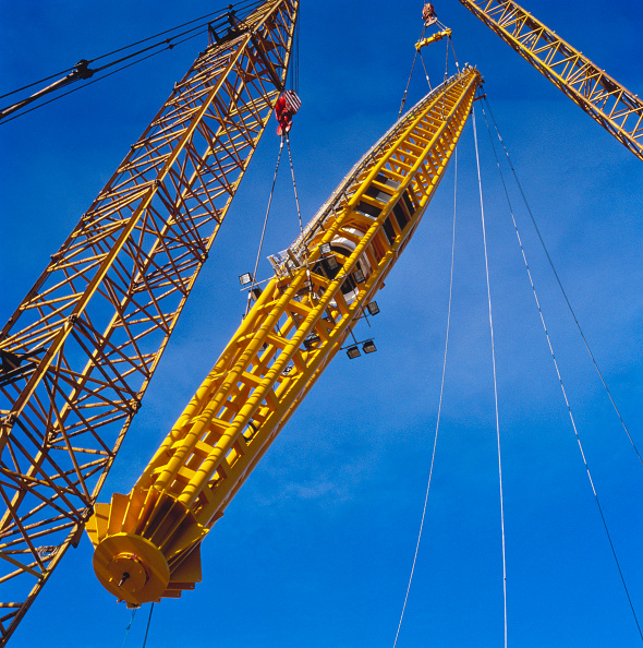 Support「Cranes putting into position roof supports for the Millennium Dome, Greenwich, London, UK」:写真・画像(8)[壁紙.com]