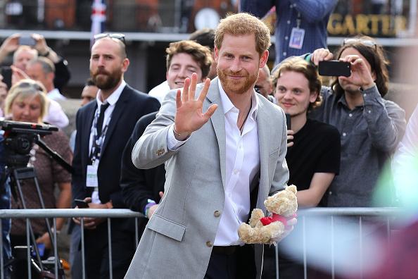 笑顔「Preparations for Royal Wedding of Harry and Meghan」:写真・画像(14)[壁紙.com]