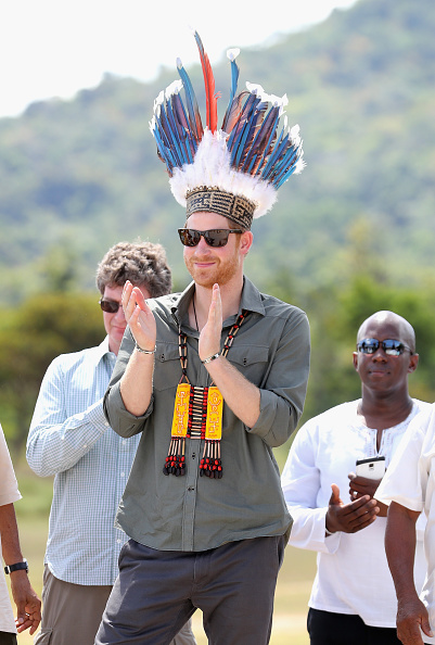Headdress「Prince Harry Visits The Caribbean - Day 13」:写真・画像(16)[壁紙.com]