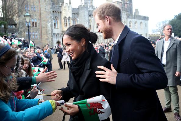 署名「Prince Harry And Meghan Markle Visit Cardiff Castle」:写真・画像(12)[壁紙.com]