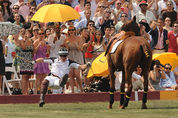 Stephen Lovekin「Prince Harry Competes In The 3rd Annual Veuve Clicquot Polo Classic」:写真・画像(15)[壁紙.com]