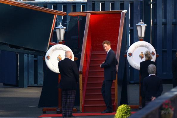 Passenger Craft「Zara Phillips And Mike Tindall Host Pre Wedding Party On Royal Yacht Britannia」:写真・画像(1)[壁紙.com]