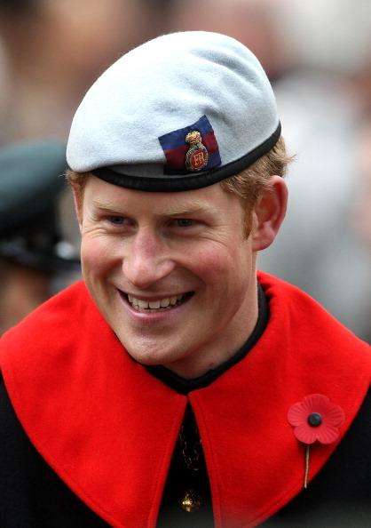 Westminster Abbey「The Duke Of Edinburgh & Prince Harry Visit The Field Of Remembrance」:写真・画像(2)[壁紙.com]