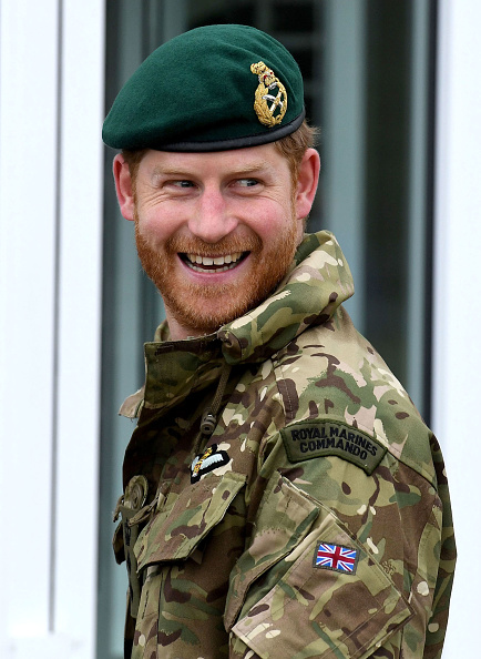 Uniform「The Duke Of Sussex Carries Out Green Beret Presentation」:写真・画像(10)[壁紙.com]