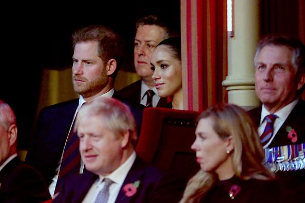 出席する「The Queen And Members Of The Royal Family Attend The Annual Royal British Legion Festival Of Remembrance」:写真・画像(5)[壁紙.com]