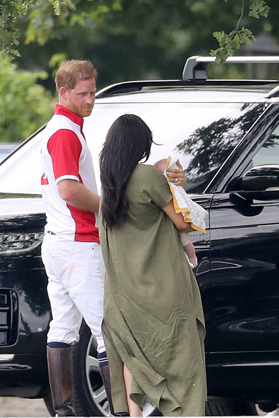 Polo「The Duke Of Cambridge And The Duke Of Sussex Take Part In The King Power Royal Charity Polo Day」:写真・画像(19)[壁紙.com]
