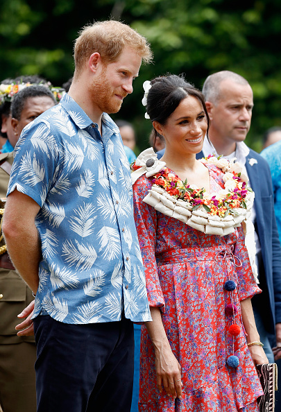 Two People「The Duke And Duchess Of Sussex Visit Fiji - Day 2」:写真・画像(7)[壁紙.com]