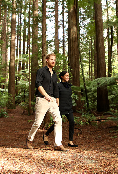 Two People「The Duke And Duchess Of Sussex Visit New Zealand - Day 4」:写真・画像(4)[壁紙.com]