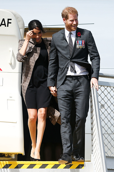 Black Dress「The Duke And Duchess Of Sussex Visit New Zealand - Day 1」:写真・画像(1)[壁紙.com]
