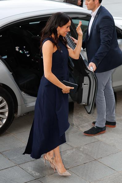 ドレス「The Duke And Duchess Of Sussex Visit New Zealand - Day 4」:写真・画像(1)[壁紙.com]
