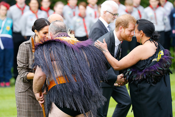 Greeting「The Duke And Duchess Of Sussex Visit New Zealand - Day 1」:写真・画像(6)[壁紙.com]