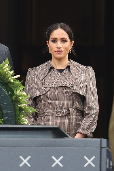 Looking At Camera「The Duke And Duchess Of Sussex Visit New Zealand - Day 1」:写真・画像(0)[壁紙.com]