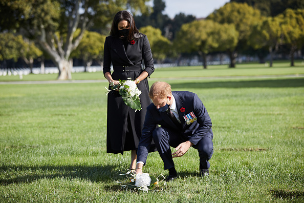 Cemetery「Duke And Duchess Of Sussex Lay Wreath At  Los Angeles National Cemetery For Remembrance Sunday」:写真・画像(11)[壁紙.com]