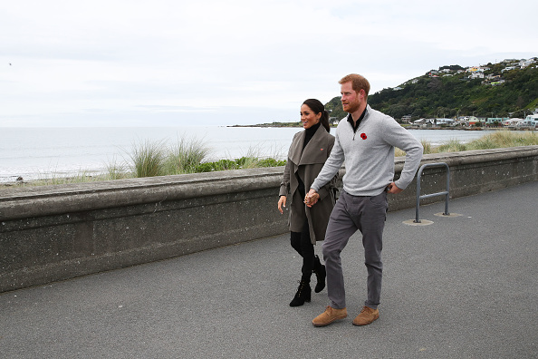 Holding Hands「The Duke And Duchess Of Sussex Visit New Zealand - Day 2」:写真・画像(5)[壁紙.com]