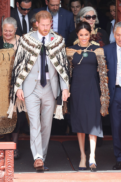 Holding Hands「The Duke And Duchess Of Sussex Visit New Zealand - Day 4」:写真・画像(18)[壁紙.com]
