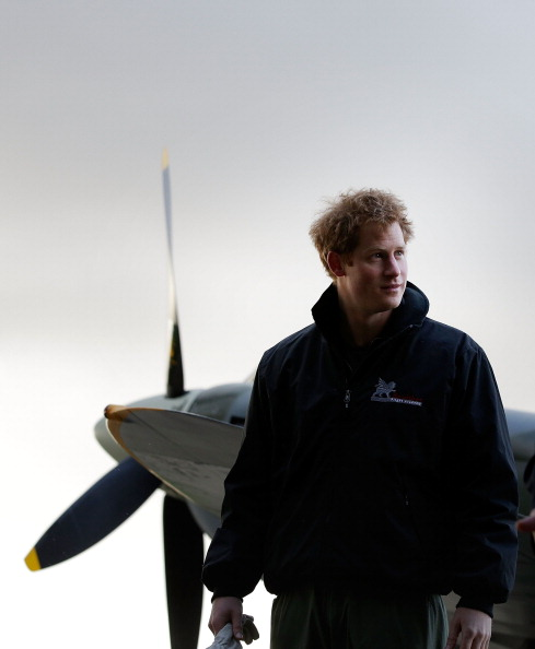 Concepts & Topics「Prince Harry Attends A Track Day For The Royal Foundation Endeavour Fund & Visits Boultbee Flight Academy」:写真・画像(6)[壁紙.com]