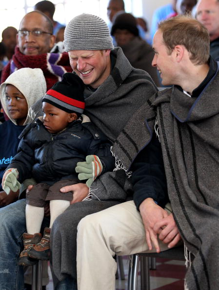 Visit「Prince William And Harry Visit Lesotho - Day 2」:写真・画像(8)[壁紙.com]
