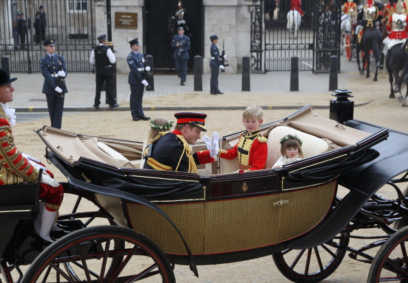Tom Pettifer「Royal Wedding - Carriage Procession To Buckingham Palace And Departures」:写真・画像(2)[壁紙.com]