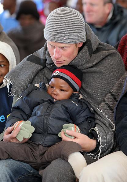 Knit Hat「Prince William And Harry Visit Lesotho - Day 2」:写真・画像(10)[壁紙.com]
