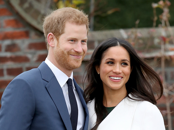 Two People「Announcement Of Prince Harry's Engagement To Meghan Markle」:写真・画像(3)[壁紙.com]