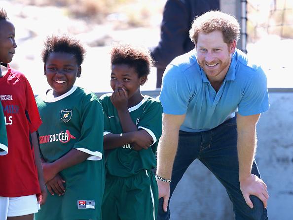 Visit「Prince Harry Visits Africa - Day 3」:写真・画像(15)[壁紙.com]