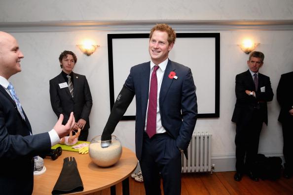 Effort「Prince Harry Visits Nottingham」:写真・画像(18)[壁紙.com]