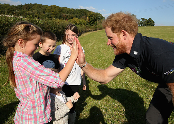 Five People「Prince Harry Joins Walking With The Wounded's Walk Of Britain」:写真・画像(18)[壁紙.com]