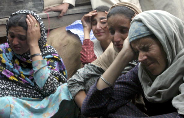 Indian Subcontinent Ethnicity「Indian Kashmir Counts Earthquake Toll」:写真・画像(11)[壁紙.com]