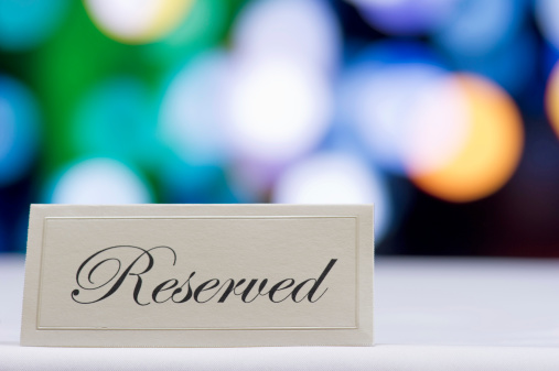 Reserved Sign「Reserved sign  with defocused lights in the background」:スマホ壁紙(6)
