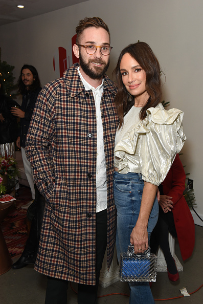 Catt Sadler「Best Buds Holiday Party With Kacey Musgraves And Flower By Edie Parker Flower」:写真・画像(10)[壁紙.com]