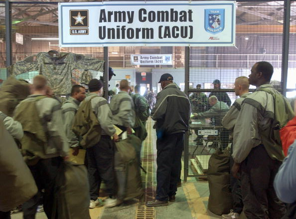 Ergonomics「New Army Combat Uniform Debuts At Fort Stewart」:写真・画像(19)[壁紙.com]
