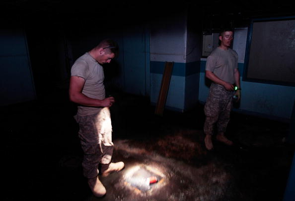 Sand Trap「U.S. Army Builds Miltary Outpost In Former Saddam Era Bunker」:写真・画像(7)[壁紙.com]