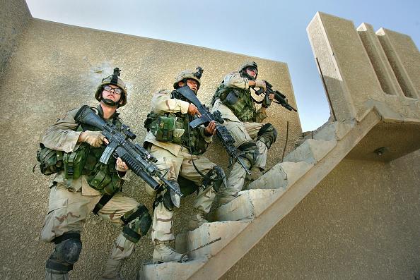 Scott Barbour「U.S. Assault On Fallujah Continues」:写真・画像(7)[壁紙.com]