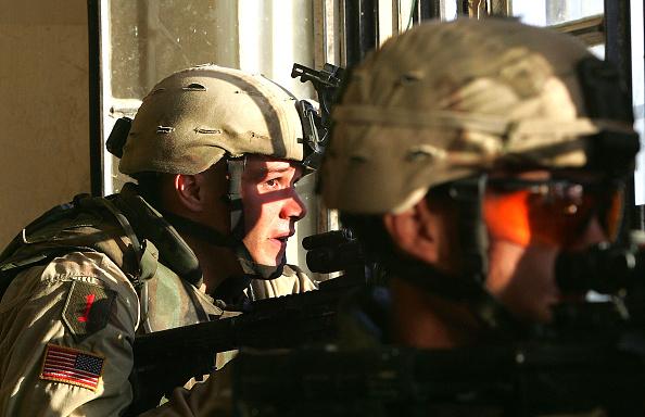 Infantry「U.S Soldiers Move Into The City Of Fallujah」:写真・画像(5)[壁紙.com]